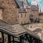 Schloss-Burg-Innenhof